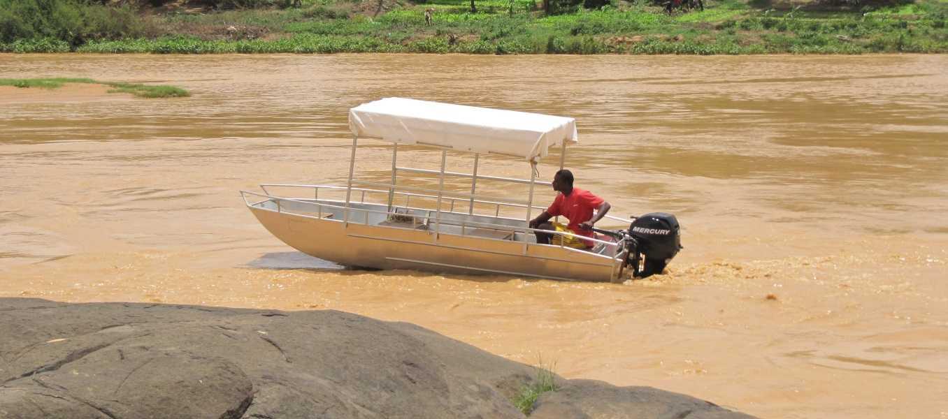 Barco-de-pesca-con-fondo-plano