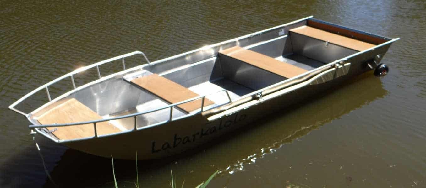 Barco-de-pesca-ligero-de-aluminio